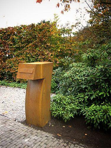 Kunstzinnige brievenbus op maat