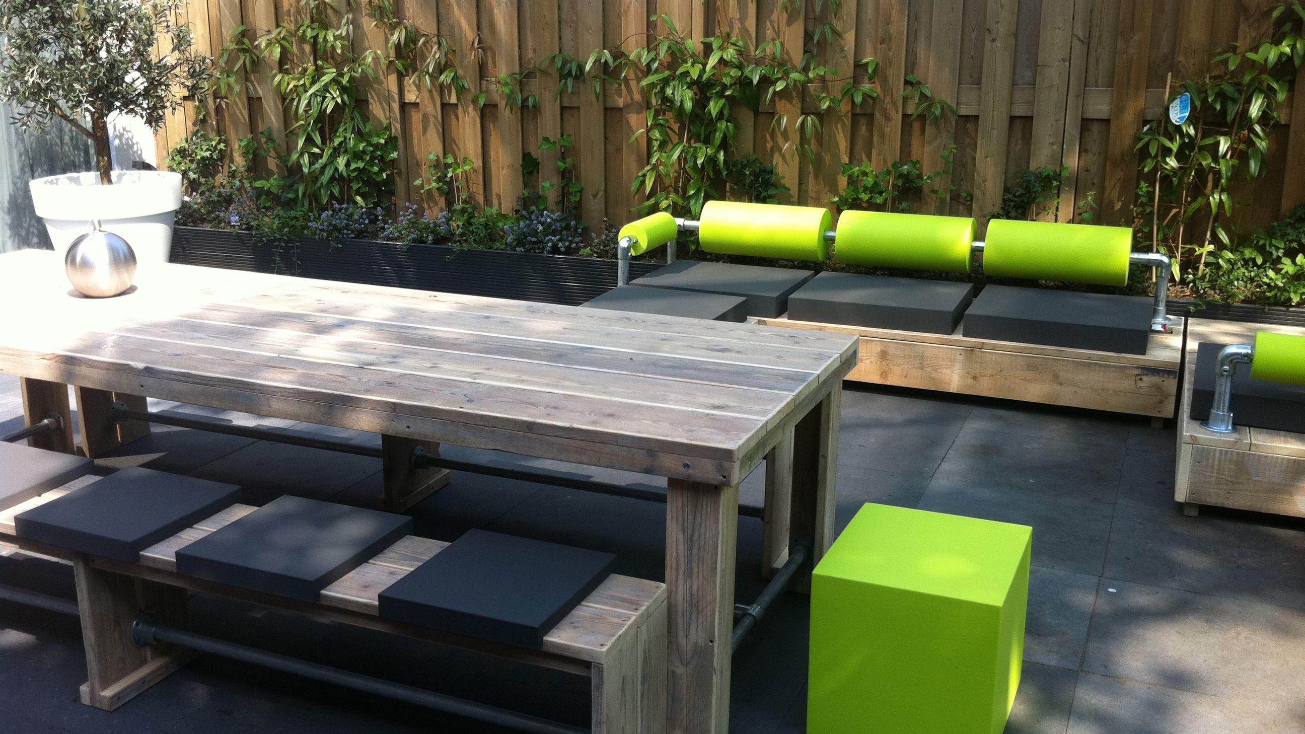 Eettafels tuintafels steigerhout bouw en onderhoudsbedrijf m