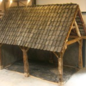 Historische  bouwmaterialen in hedendaagse tuinen
