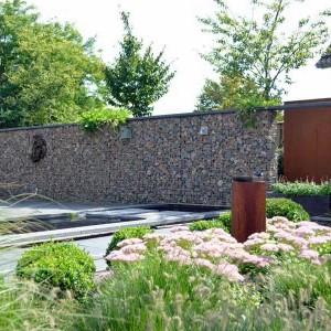 Schanskorfmuren en tuinafscheidingen