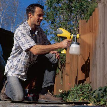 Een tuin wordt mooier en gaat langer mee door schilderwerk!
