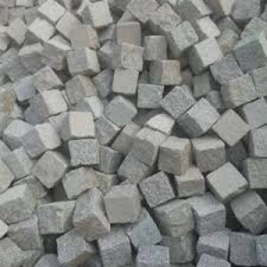 Portugees graniet lichtgrijs 9 - 11 cm (Kinderkoppen, ca. 950 kilogram)
