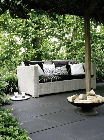 Zwarte betontegel 50x50x5cm zonder facet (per stuk)