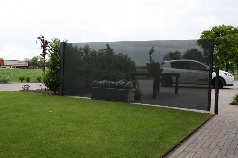Oprolbaar Windscherm 185 cm hoog (Terrasscherm Inova, Vrijstaande opstelling)
