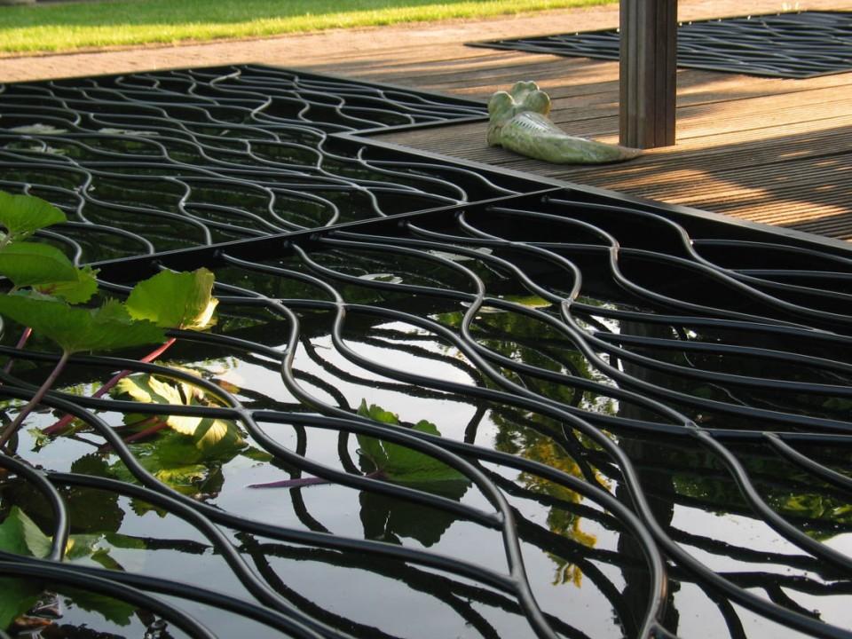 Vijverrooster flow per m2 vijver veilig maken for Vierkante vijver maken