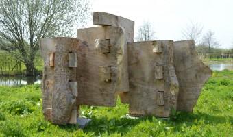 Houten beelden van Luuk van Binsbergen!