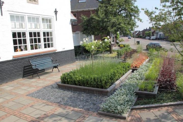 Klassieke, uniek gevestigde tuin in Halsteren