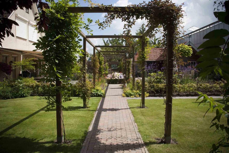 Klassieke Cottagetuin in Steenbergen
