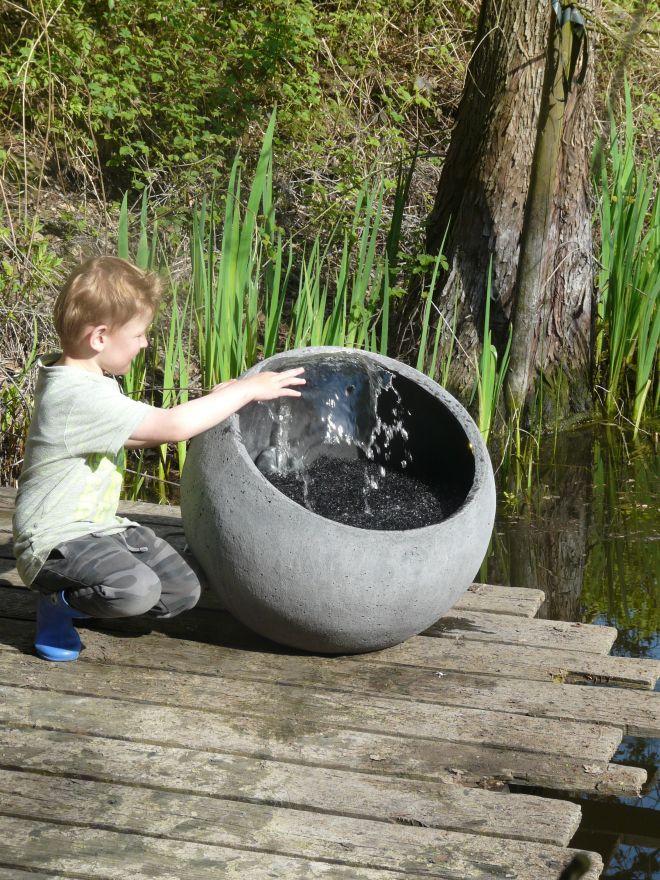 Bol Water (diameter 58 cm, 52 cm hoog, waterornament)