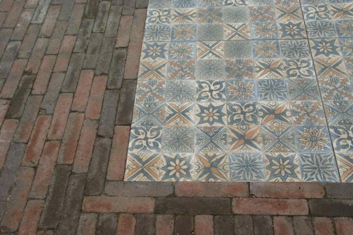 kleurrijke keramische tegels