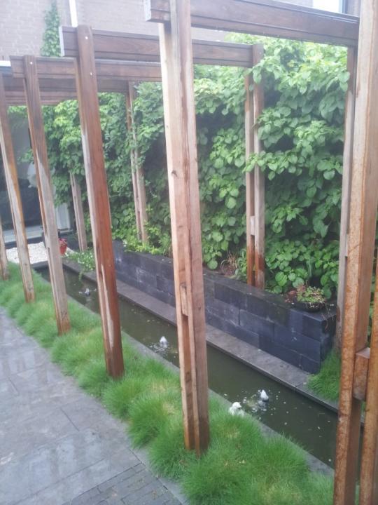 Pergolatuin in een patio