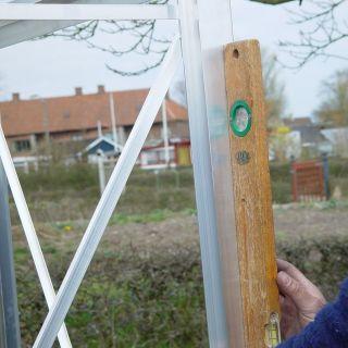 Plaatsen en montage Houten tuinkas Muscat 66 en 86 (Nederland)