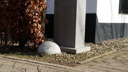 Brievenbussen van beton (strakke, moderne uitstraling)