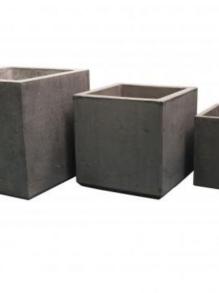 Kubusvormige Betonnen bloembak 80x80x80 cm licht antraciet (vierkante bloembakken van beton artikelnummer 20160A)