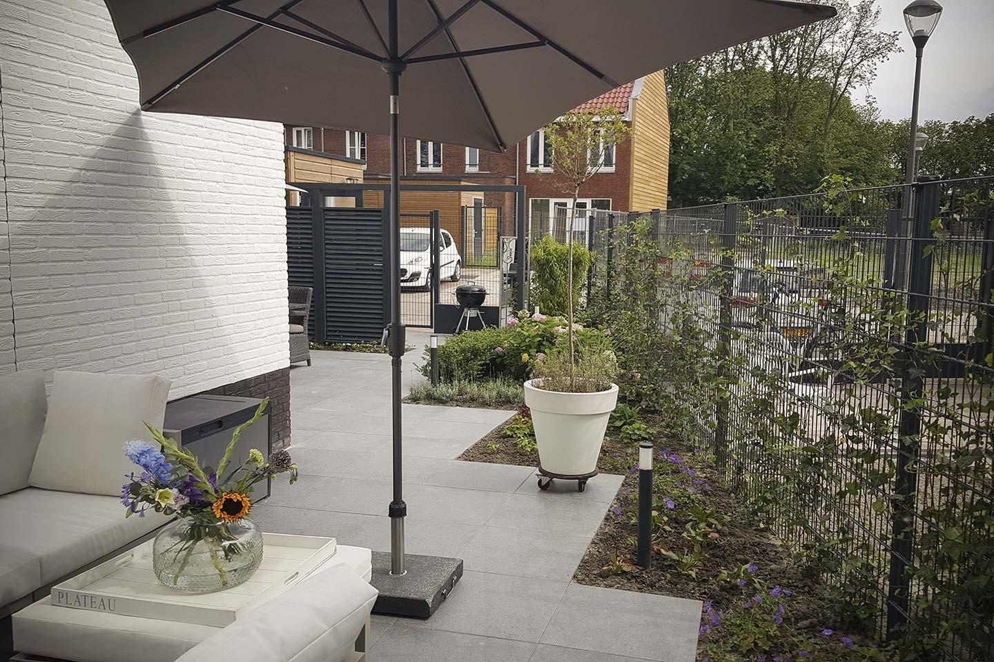 Moderne loungetuin in bergen op zoom dutch quality gardens