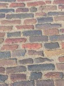 Oude hardgebakken waaltjes Varsseveld, bont genuanceeerd (Gebakken waalformaat klinkers)