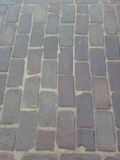 Oude hardgebakken keiformaat Nijmegen, paars genuanceerd (10 duimer, klinkerkei)