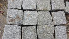 Oude graniet kinderkoppen, ca. 10x10x10 cm