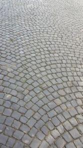 Oude basalt-kinderkoppen (per m2)