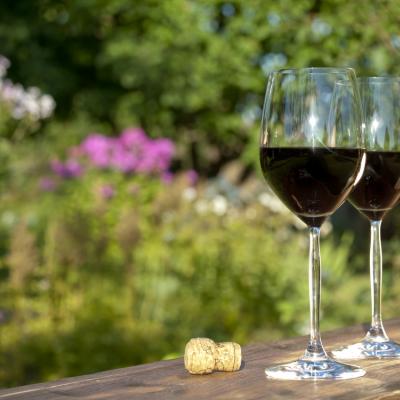 Twee flessen wijn per avond