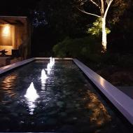 Relaxtuin met zwevende vijver
