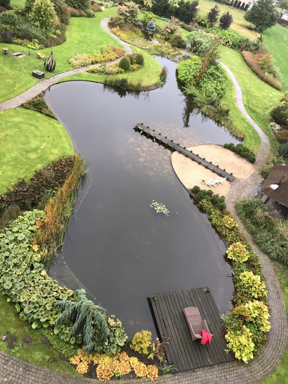 prachtige grote  parktuin  in het centrum van Eersel