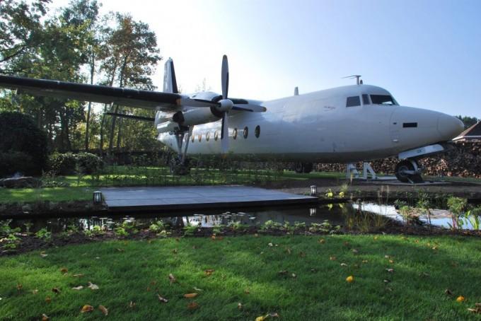 Bijzondere vliegtuigtuin in Hoogerheide