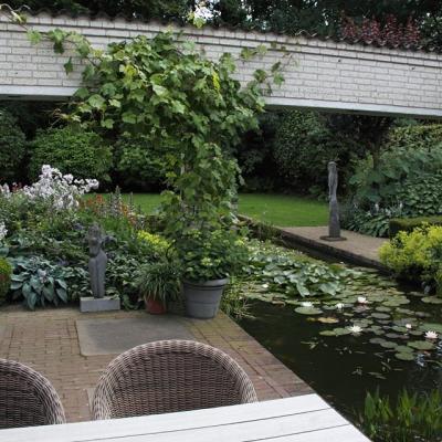 romantische tuin in veldhoven