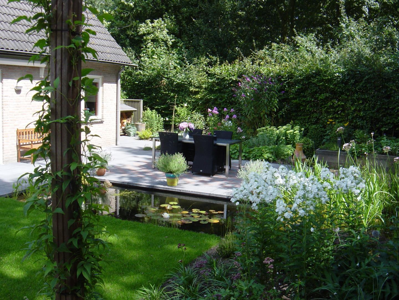 Tuin met natuurlijk hoogteverschil