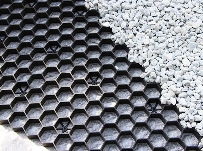 Zwarte grindplaat met antiworteldoek 119 x 78,6 x 3 cm (259 stuks = 232,91 m2 - EXCELLENT)