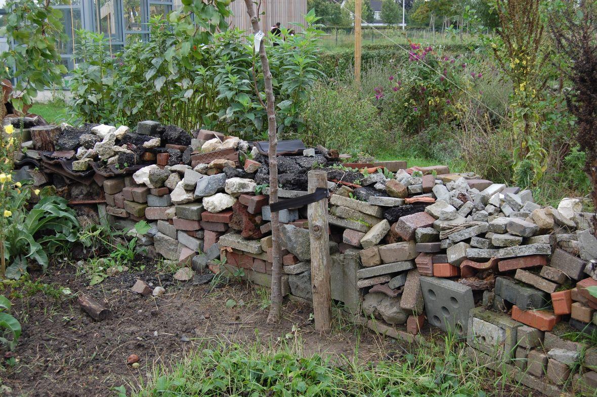 Heuvelachtig Tuin Ontwerp : De puintuin de tuinen van appeltern