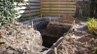 Uitzetten en graven van de folievijver