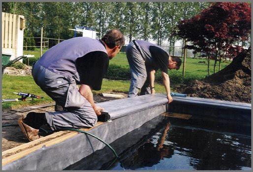 De afwerking van de vijverrand de tuinen van appeltern for Vijver afwerking hout