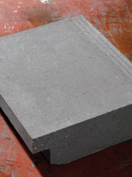 Traptrede massief 45x15x50cm met neus grijs - 12 stuks