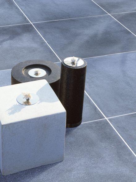 Zwarte betontegel 60x60x4cm met facet (per stuk)