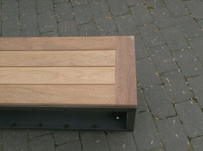SIDE TABLE houtopslag