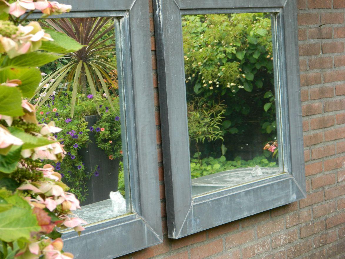 Tuinspiegel zink afmeting 75x75 cm met lijst van 8cm in buitenkwaliteit