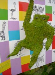Aap hangend 66x30x28 cm met mos