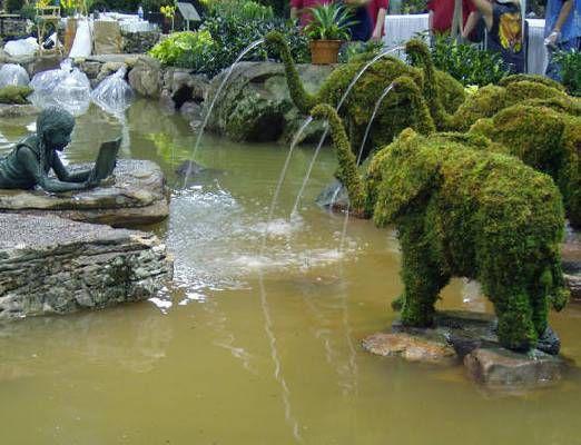 Olifant met Waterslang 81x119x46 cm met mos