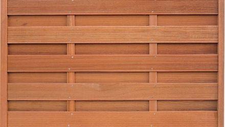 Houten afscheiding - hardhouten schuttingen - houten schuttingen - tuinschermen - planken en palen
