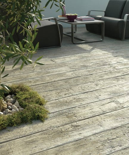 Buitenvloer oud eiken grijs (plank 20 x 3,2 x 360 cm)
