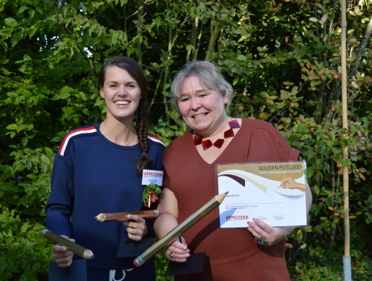 Laura Knoops wint twee Gouden Potloden