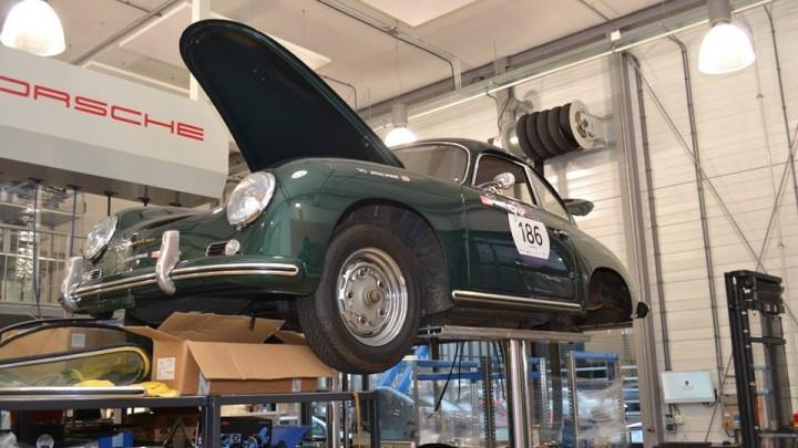 Sfeer impressie bedrijfsbezoek Porsche Centrum Heteren