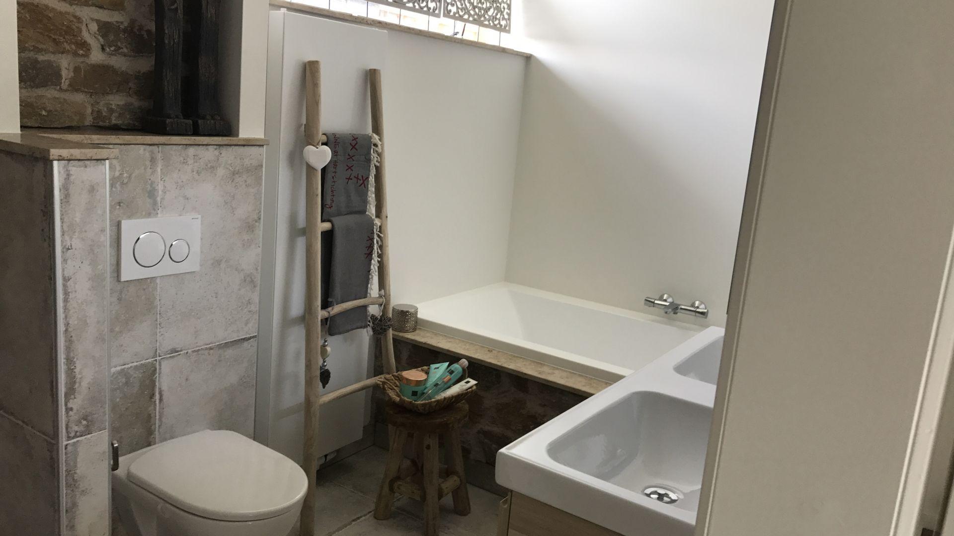 Verbouw keuken, badkamer, toilet, kastenwand & haard | Beck Bouw Wamel
