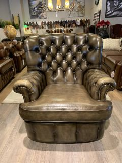 Engelse Salvale chesterfield fauteuil in Olijf groen