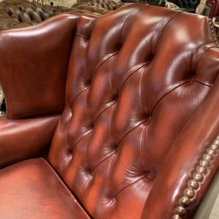 Engelse Springvale chesterfield oorfauteuil Light Rust