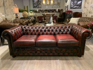 Engelse chesterfield 3 zits bank in Oxblood rood