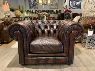 Engelse chesterfield clubfauteuil Roodbruin gevlamd