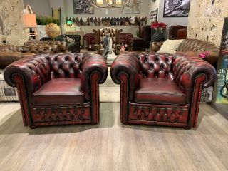 2 x Engelse chesterfield clubfauteuils Winchester in Oxblood rood