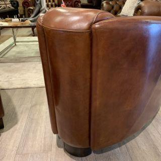 Showroommodel Stoere industriële chesterfield fauteuils in vintage cognac leder